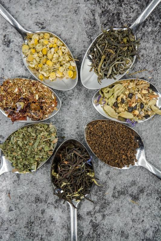 Verschillende soorten diureticum theeën